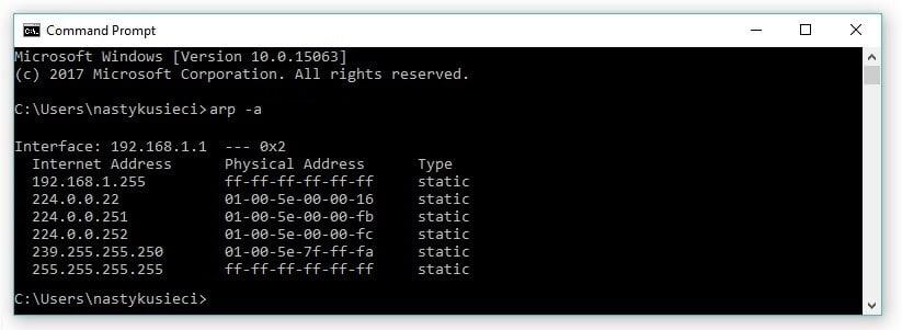 Tabela ARP na hoście z systemem Windows