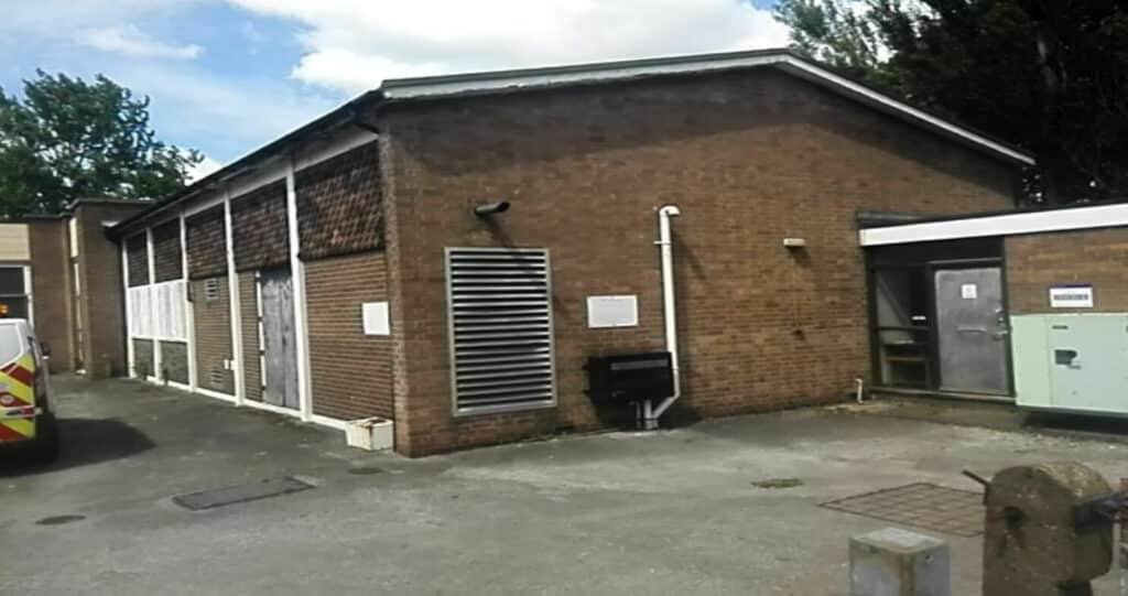 Budynek centrali telefonicznej (exchange)